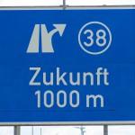 1280px-Autobahn_Schild_Zukunft